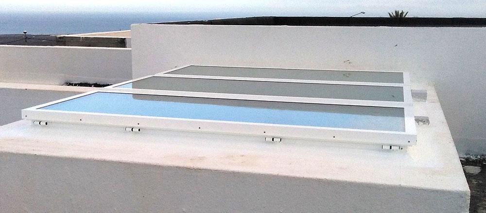 Lucernario de claraboyas modelo 13, con grandes dimensiones (Tias, Lanzarote).